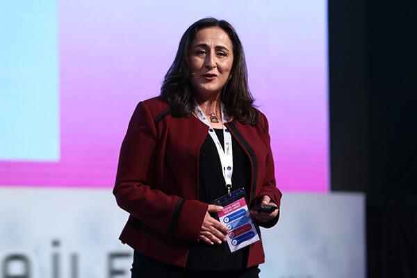 Türkiye Araştırmacılar Derneği Başkanı Fulya Durmuş