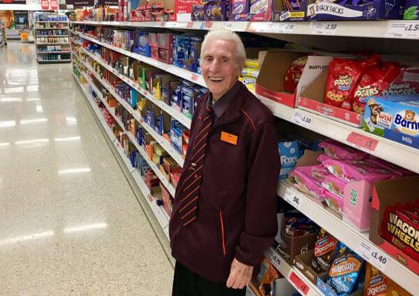Sainsbury çalışanı Reg Buttress