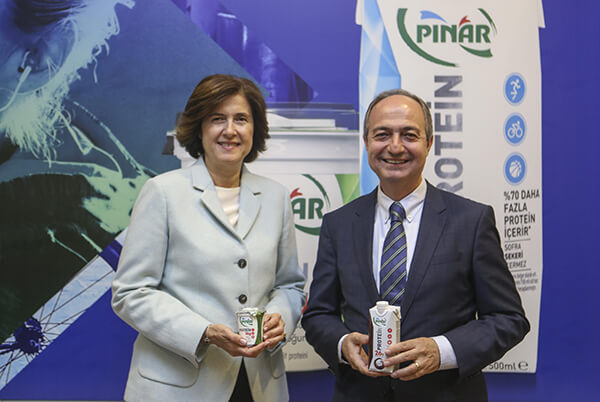 Pınar Süt Yönetim Kurulu Başkanı İdil Yiğitbaşı,Yaşar Holding İcra Başkanı Mehmet Aktaş