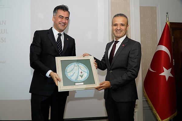TGSD'nin 21. Başkanı Hadi Karasu, TGSD Eski Başkanı Şeref Fayat