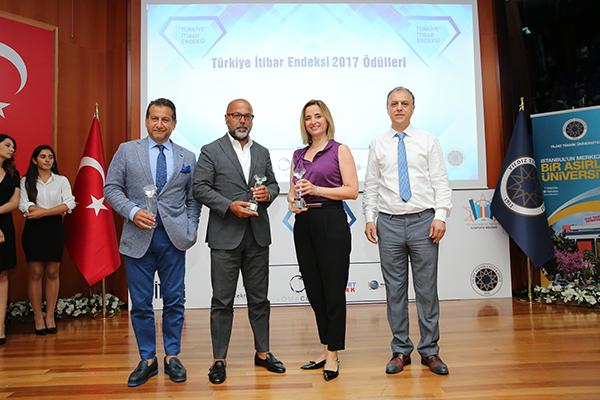 7. Türkiye İtibar Endeksi Araştırması'nın ödül töreninde Türkiye'nin en itibarlı kurum ve markalarına ödülleri verildi.