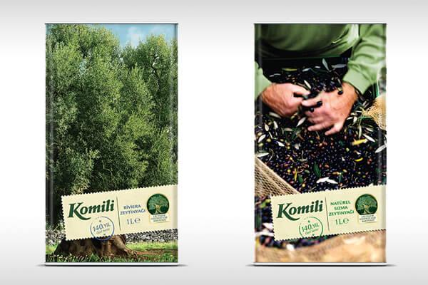 Komili, 140 yıllık ustalığıyla ürettiği zeytinyağları için, doğadan, zeytin ağaçlarından ve insanlardan ilham alan özel ambalajlar tasarladı.