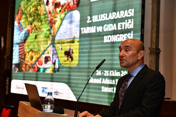 İzmir Büyükşehir Belediye Başkanı Tunç Soyer.
