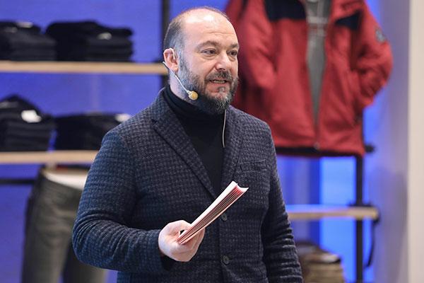 Boyner Büyük Mağazacılık Genel Müdürü Eren Çamurdan.