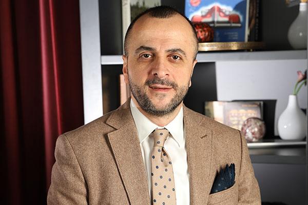 REM People'ın CEO'su Bülent Peker.