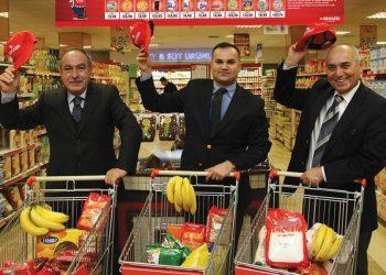 Groseri, 1996 yılında Mehmet Ali Önür, Levent Uğurses ve Ersin Özdemir tarafından kuruldu (soldan-sağa).